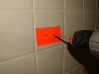 как сверлить плитку в ванной