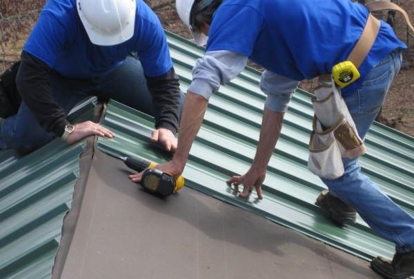 обустройства крыши из профнастила