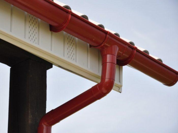 желоба для двухскатной крыши