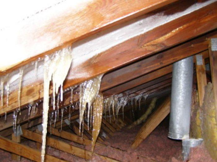 пример скопления влаги при плохой вентиляции