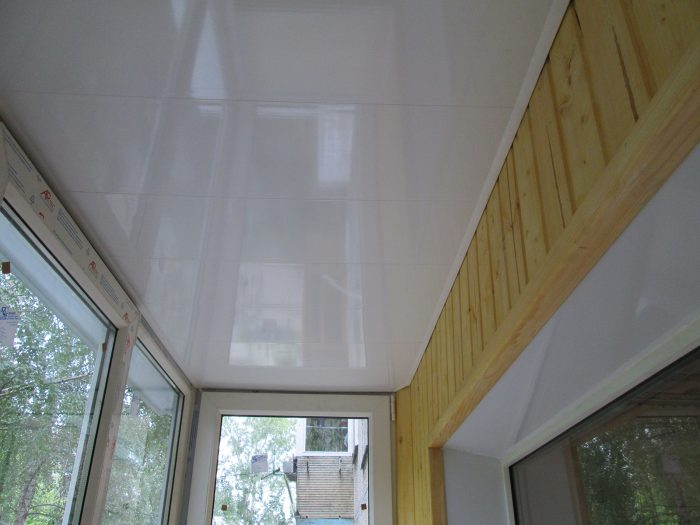 ПВХ панелеи на балконе