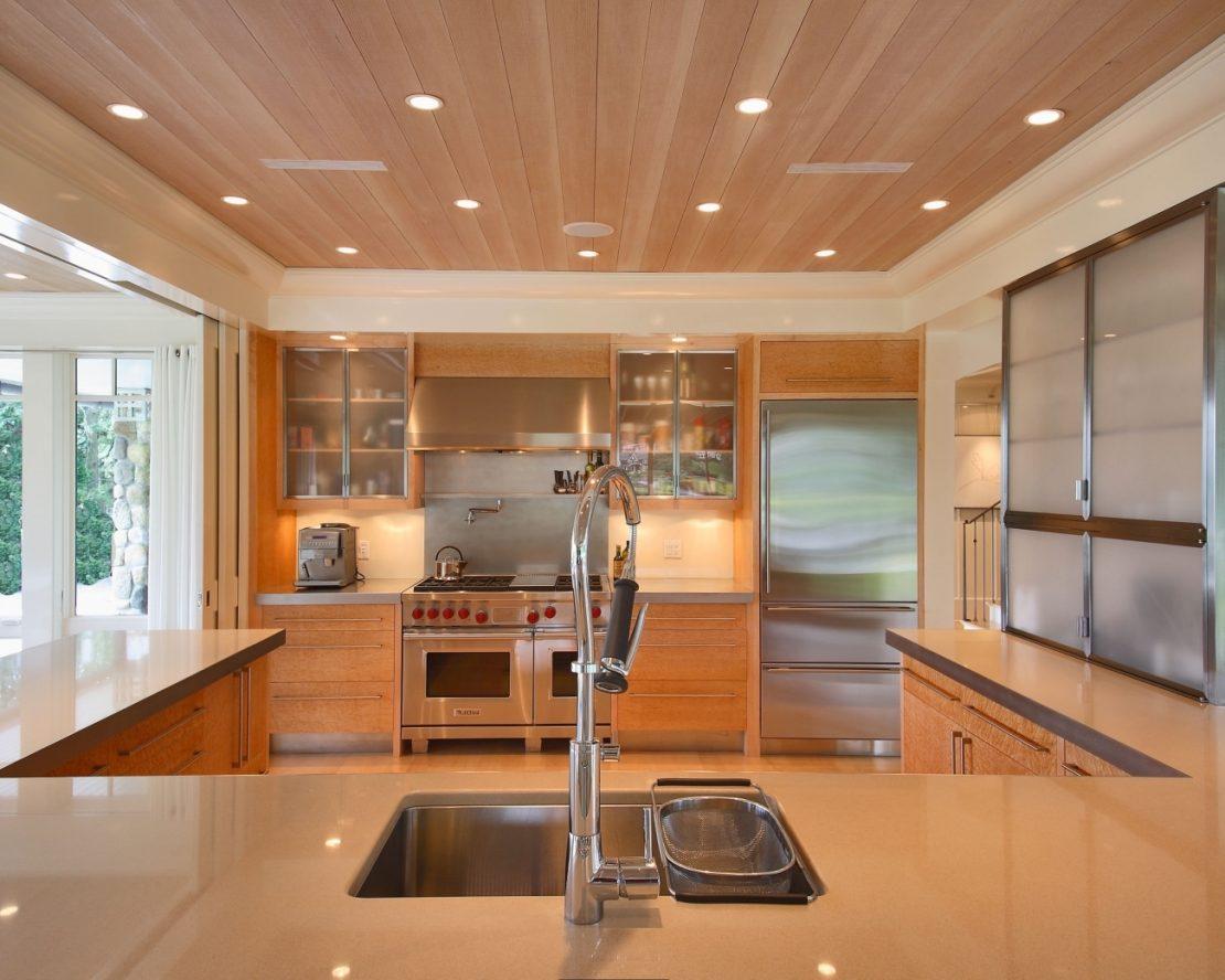 Какие потолки делают на кухне фото