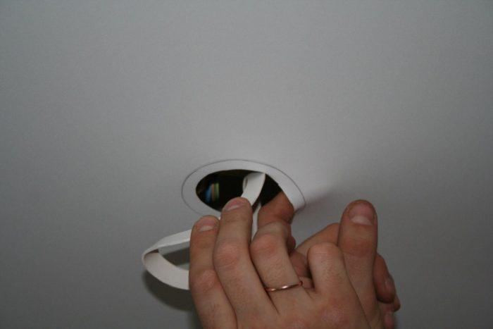 дырки под светильники