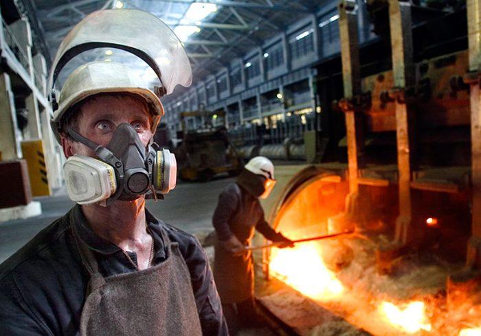 Тяжелый физический труд в России