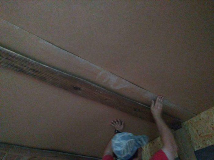 двп на потолок в деревянном доме