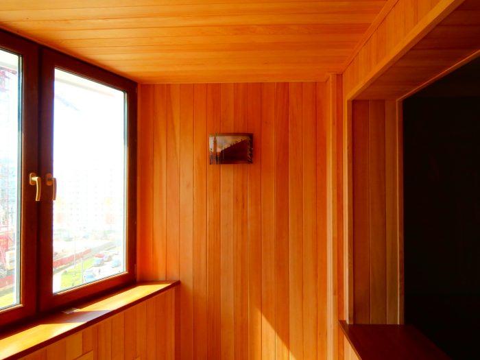 потолок балкона вагонкой