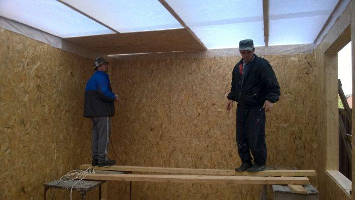 варианты монтажа панелей на потолок