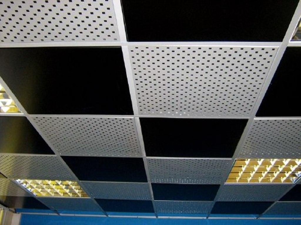 металлический кассетный подвесной потолок