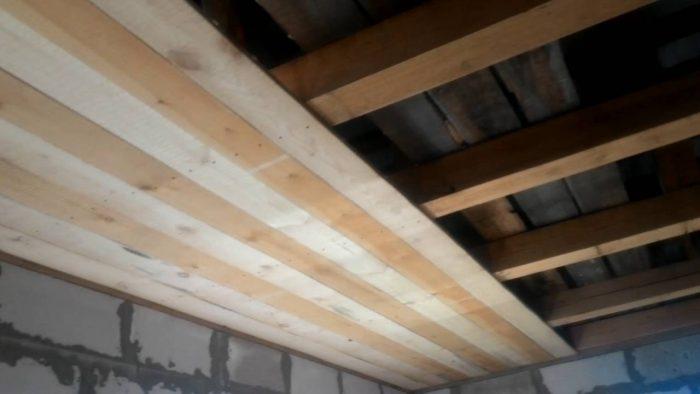 черновая подшивка потолка
