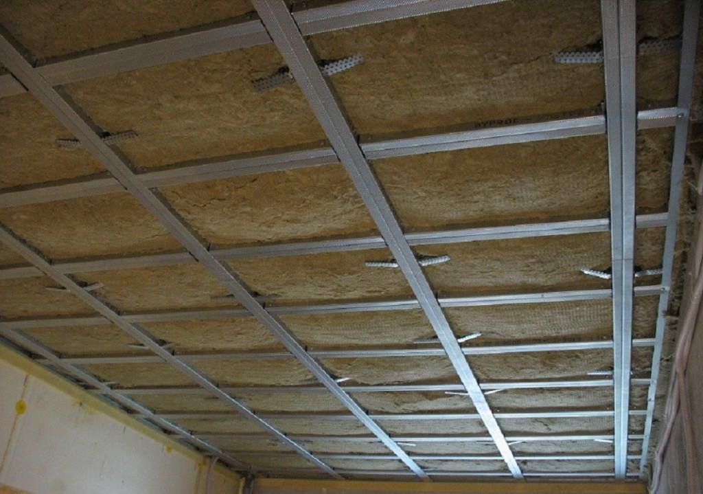 Звукоизоляция потолка в доме с деревянными перекрытиями