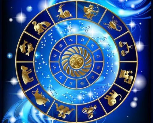 Движение планет выведет знаки зодиака из зоны комфорта, к которой они привыкли в течение года, и внесет струю свежего воздуха во все жизненные аспекты: деньги, карьеру, любовь и здоровье.