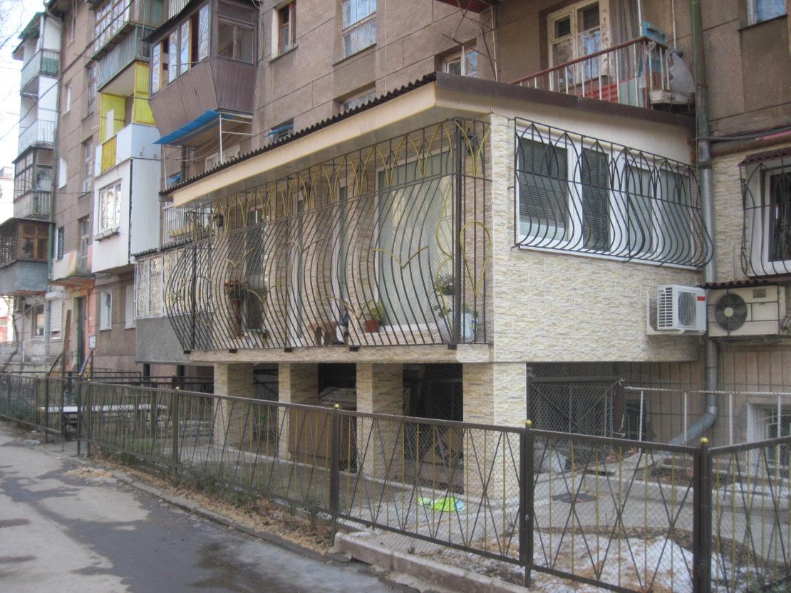 конструкция на опорных столбах