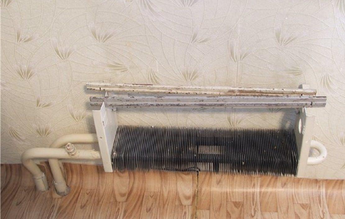 Старый радиатор отопления