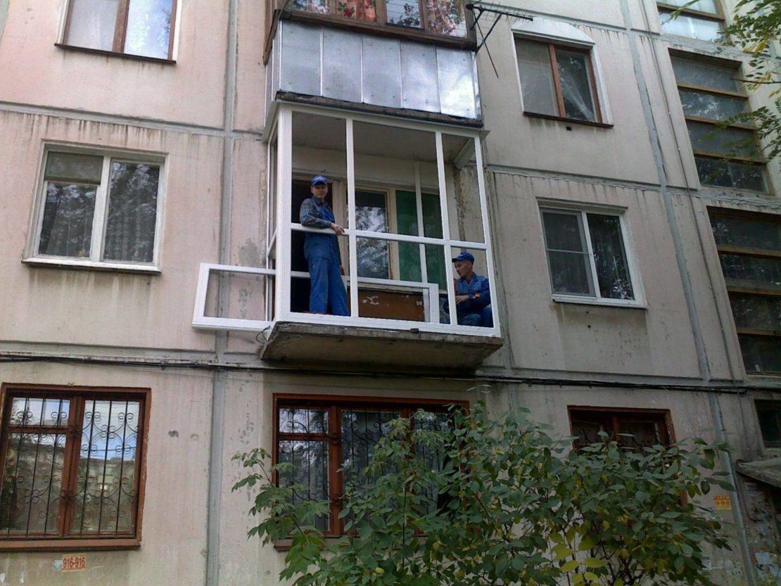 какой вес может выдержать балкон