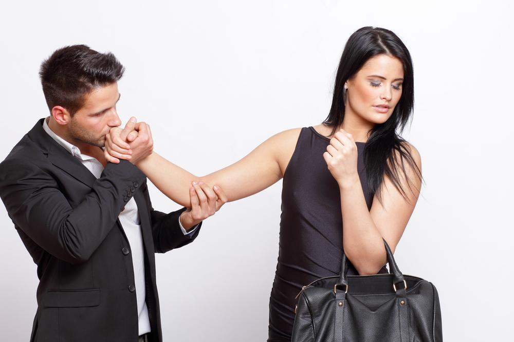 почему женщин не интересует мужчина