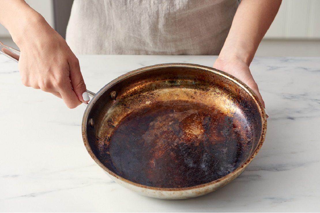 Сковорода со старым жиром