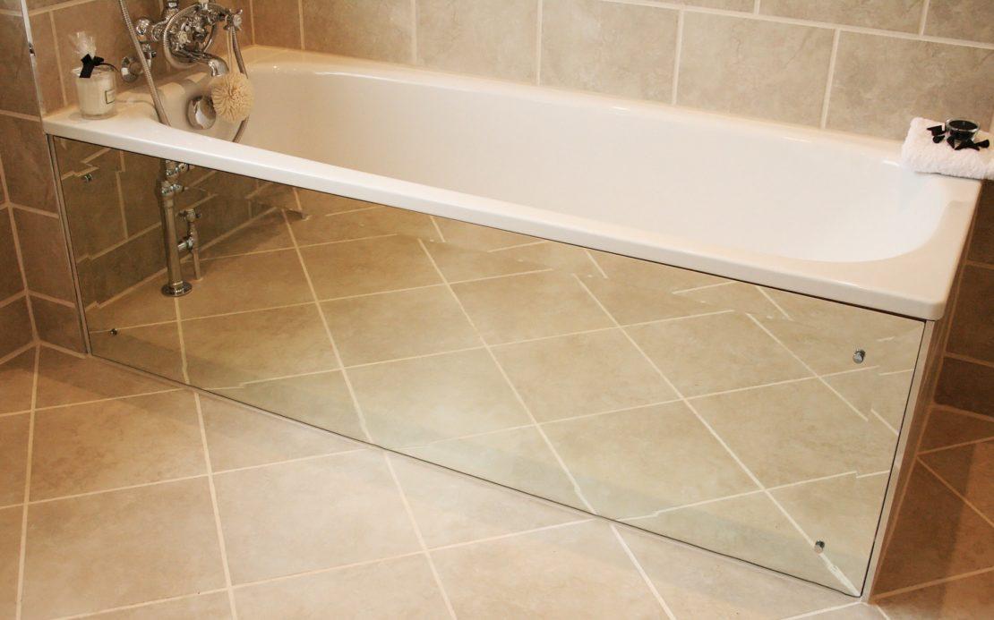 Глухой зеркальный экран под ванной