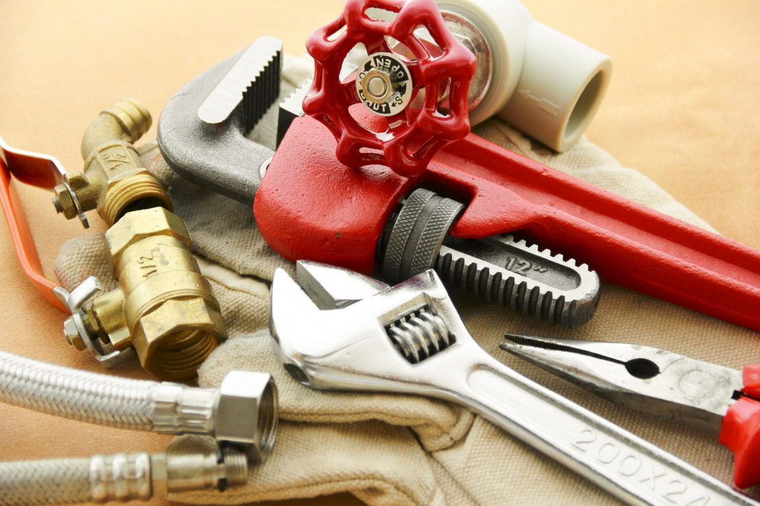 инструменты для монтажа батареи