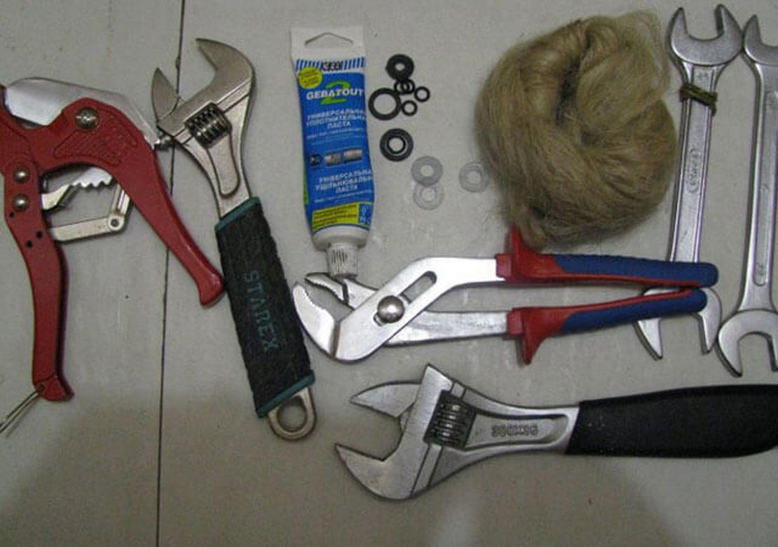 инструменты и комплектующие для работы