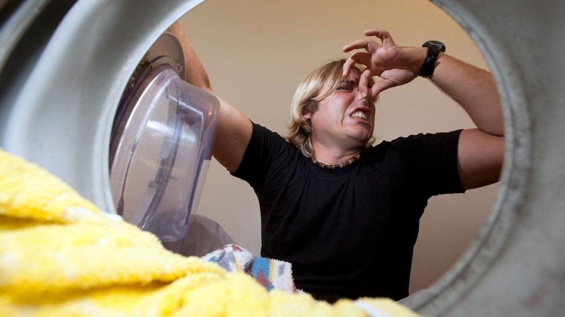 Ошибки, которые приводят к неприятному запаху в стиральной машине
