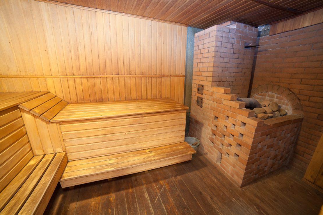 Обработка пола в бане