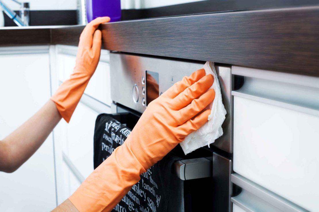 Народные средства для очищения жира с мебели на кухне