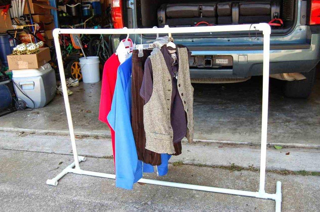 Вешалки для одежды и подставки