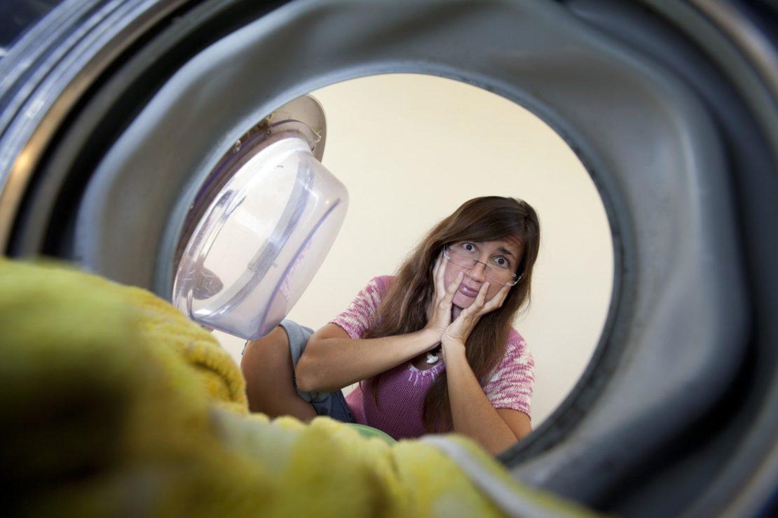 Что делать, когда стиральная машинка трясется при отжиме