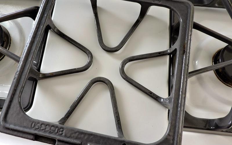 Как очистить решетку плиты до блеска