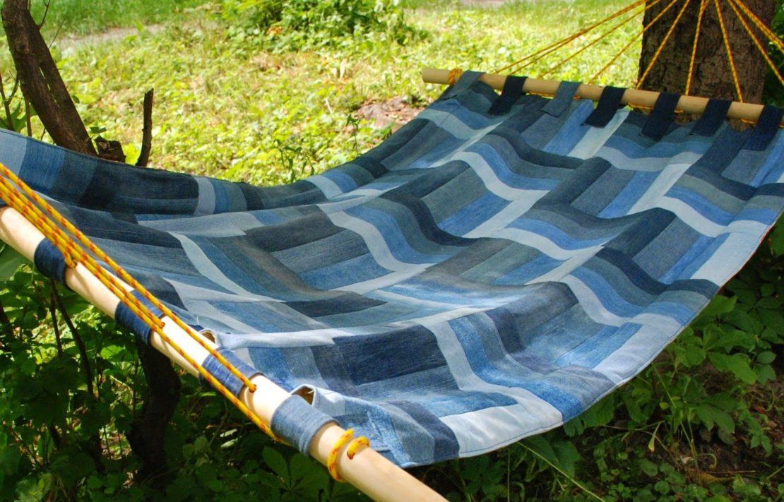 Способы использования старых ковров на даче