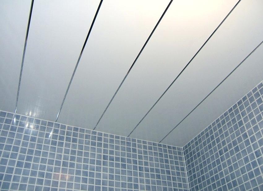 Лучшие варианты потолков для ванной комнаты