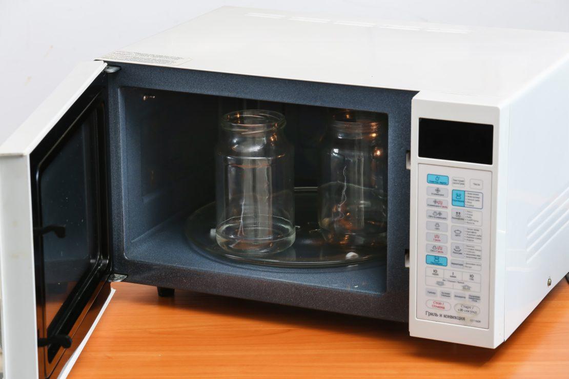 Необходимость стерилизации банок под консервацию и варианты