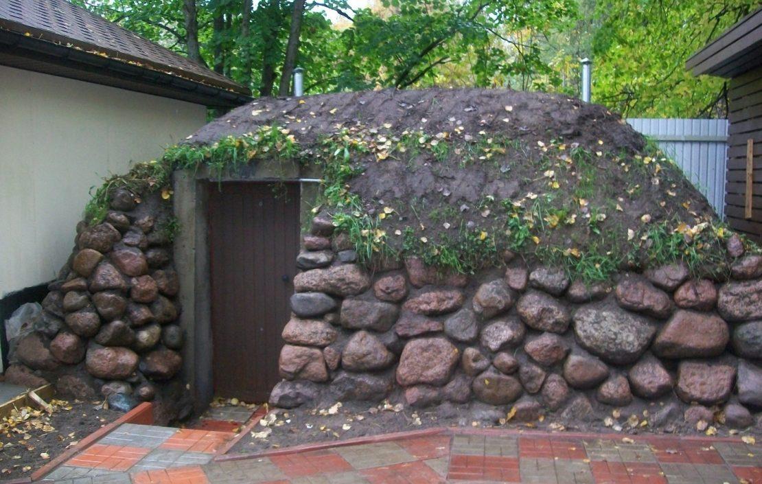 Куда можно применить большие камни на дачном участке