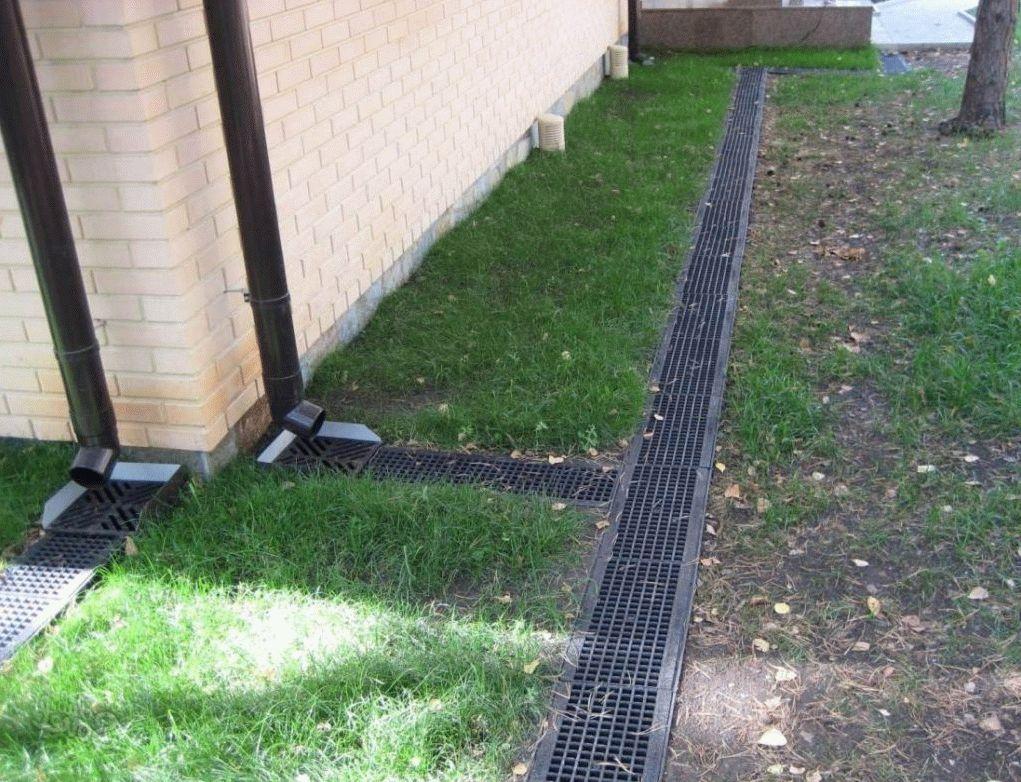 Отвод воды со своего участка – выбор между ливневкой и дренажом