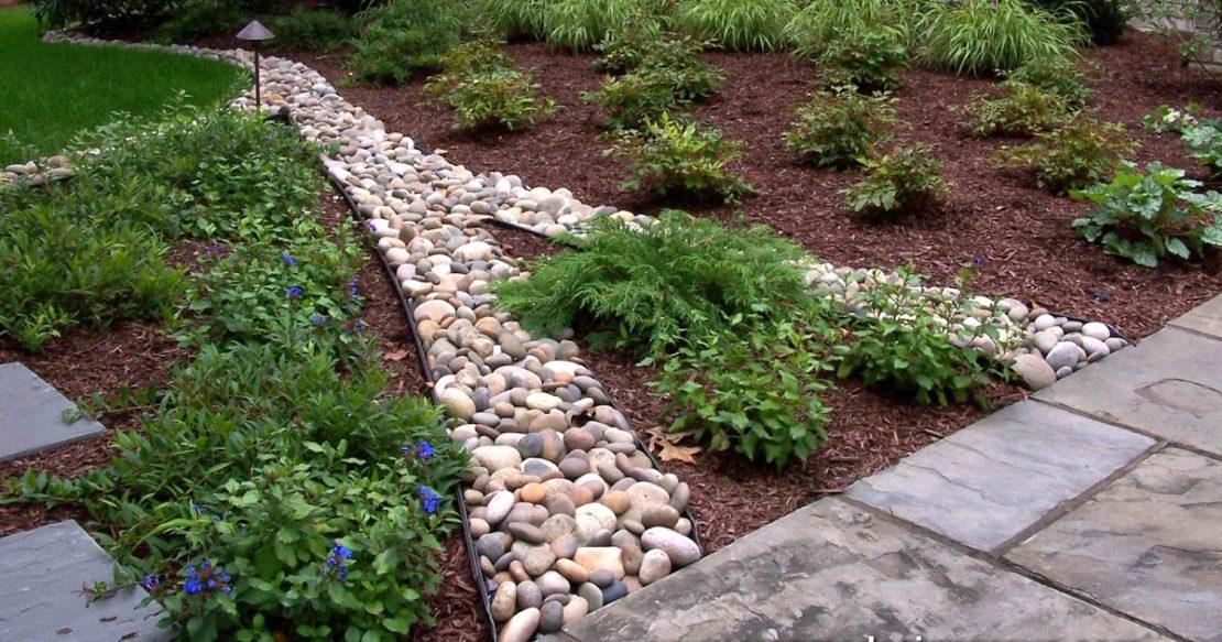 Бордюры и дорожки из больших камней