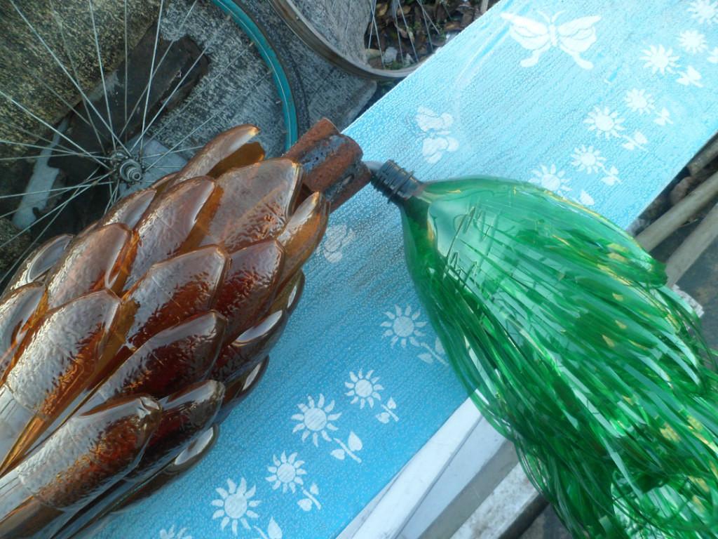 Пальмы и цветы из пластиковых бутылок