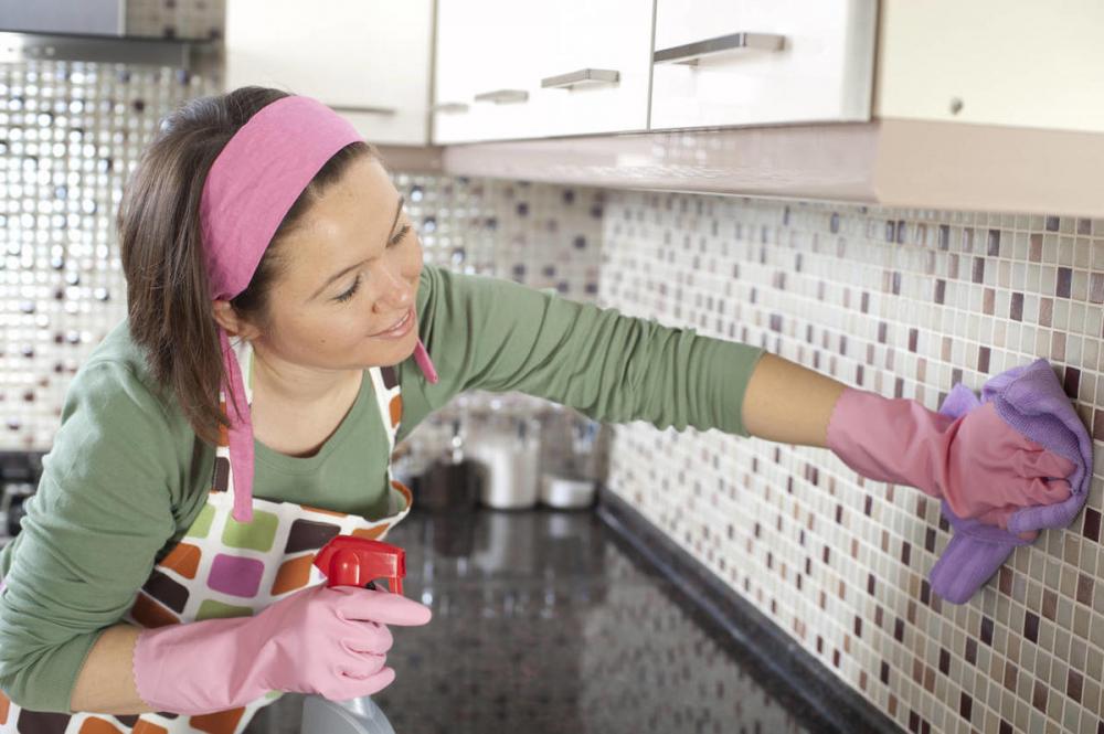Быстрая чистка кухонного фартука
