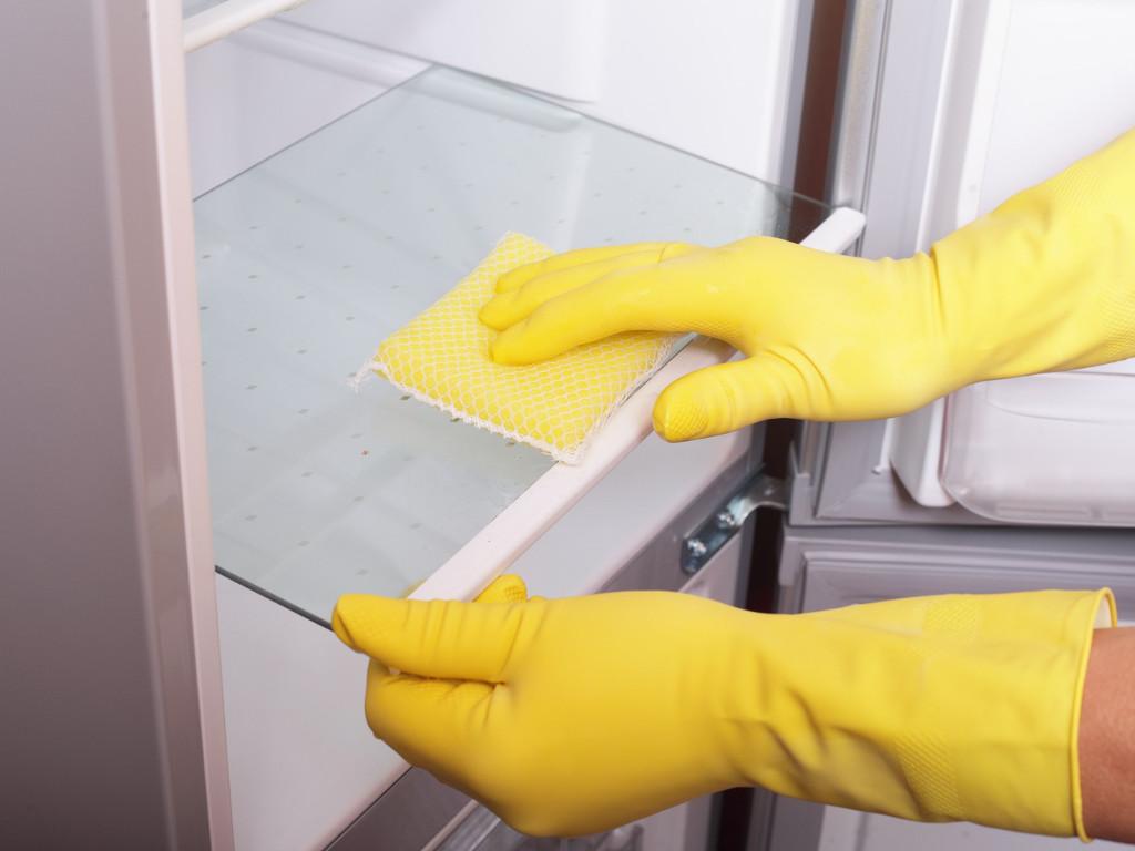 полная чистка холодильника