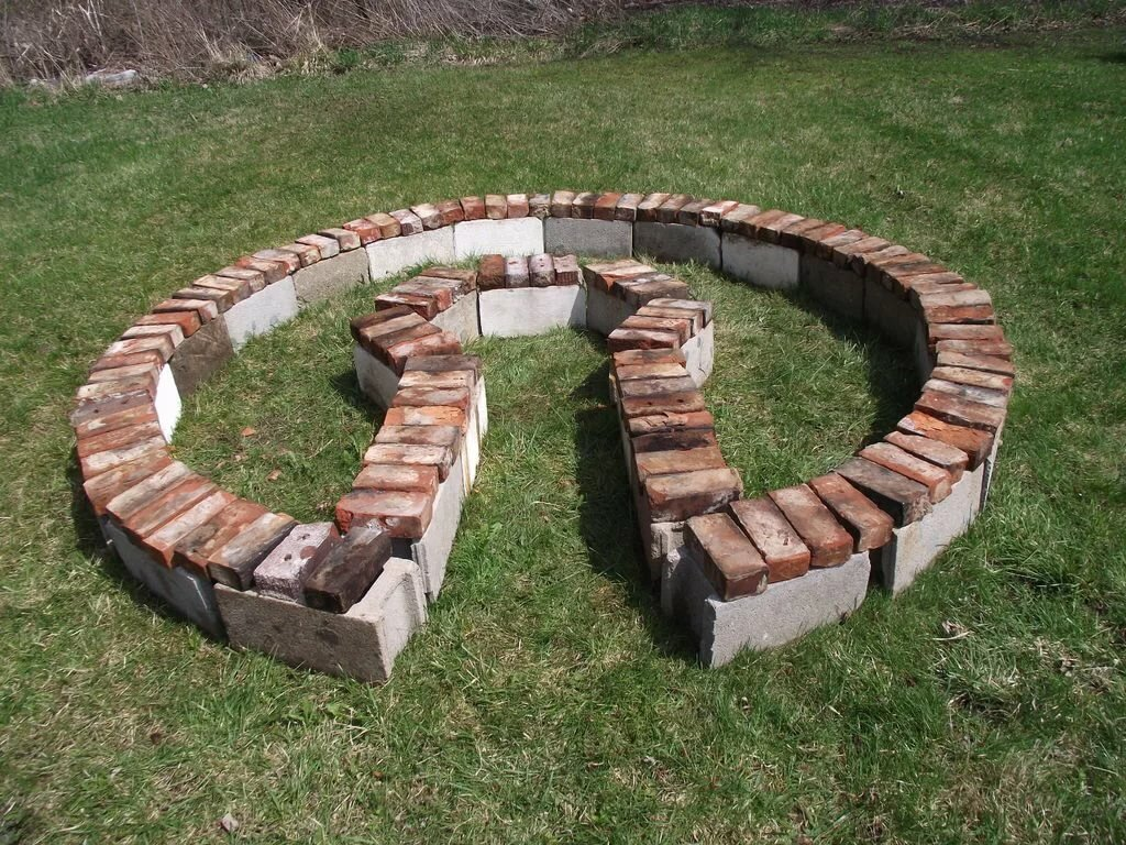 Что можно сделать полезного из старого кирпича на даче