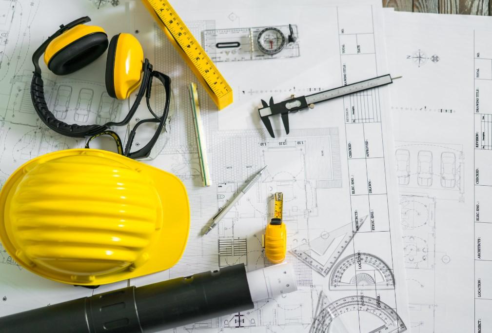 Чем отличается строительный карандаш от канцелярского и способы заточки