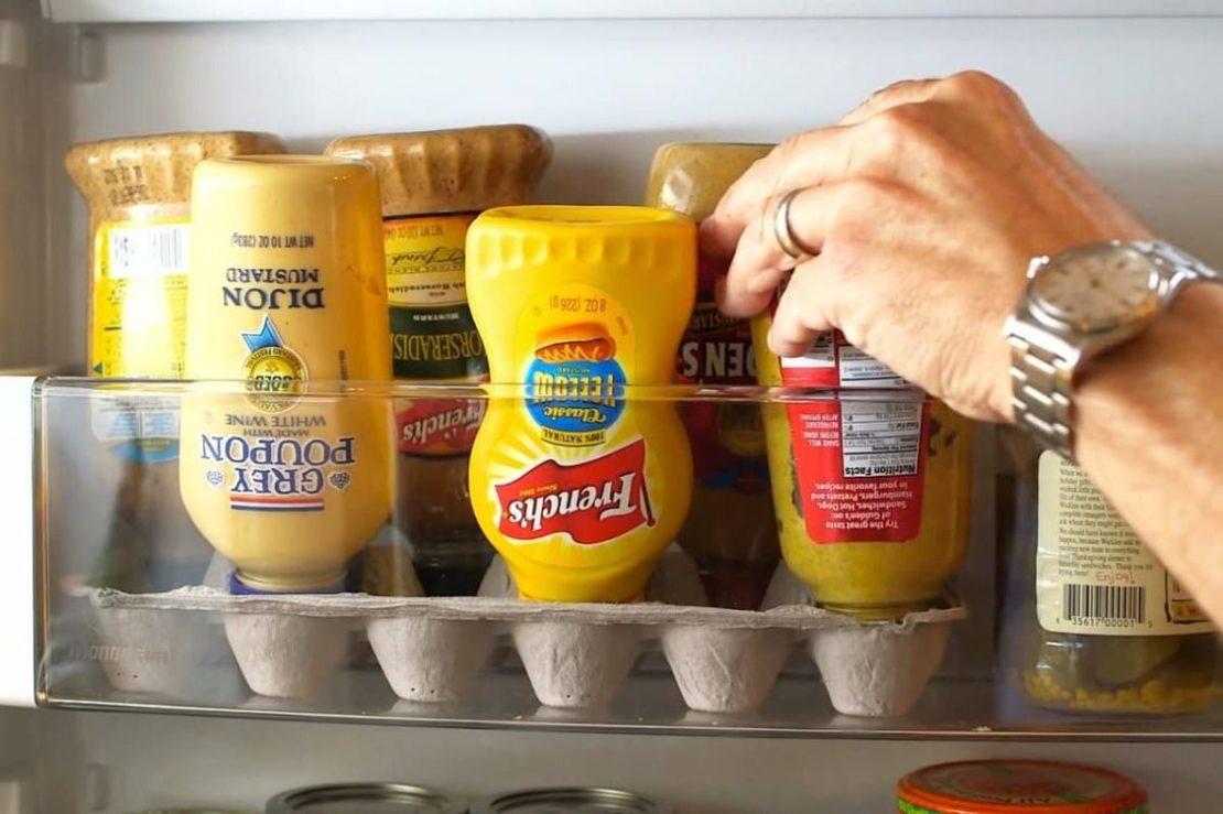 Контейнер для яиц - подставка под бутылочки с соусами