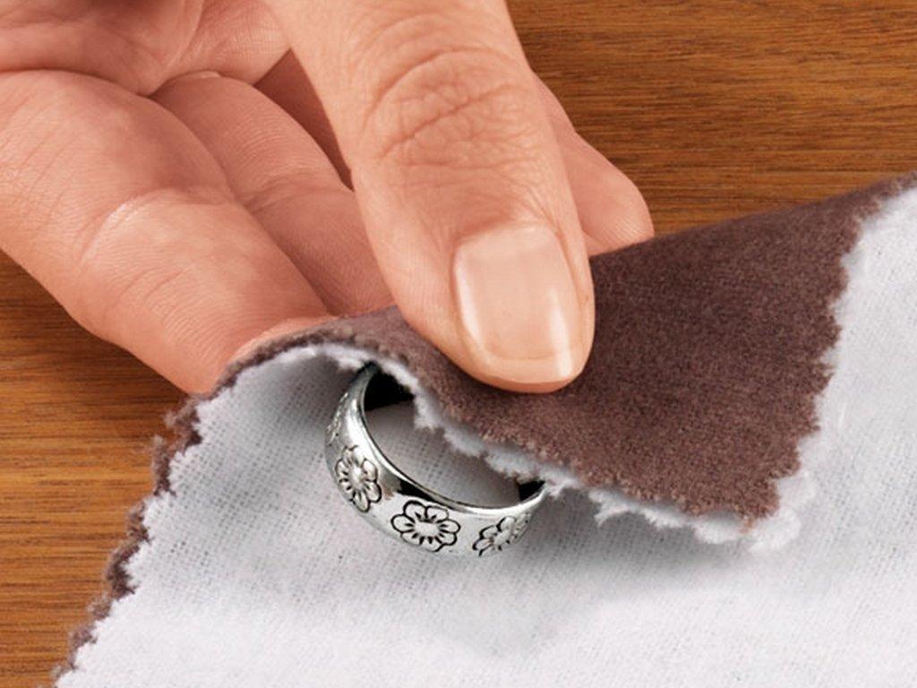 Основные правила ухода за серебряными украшениями