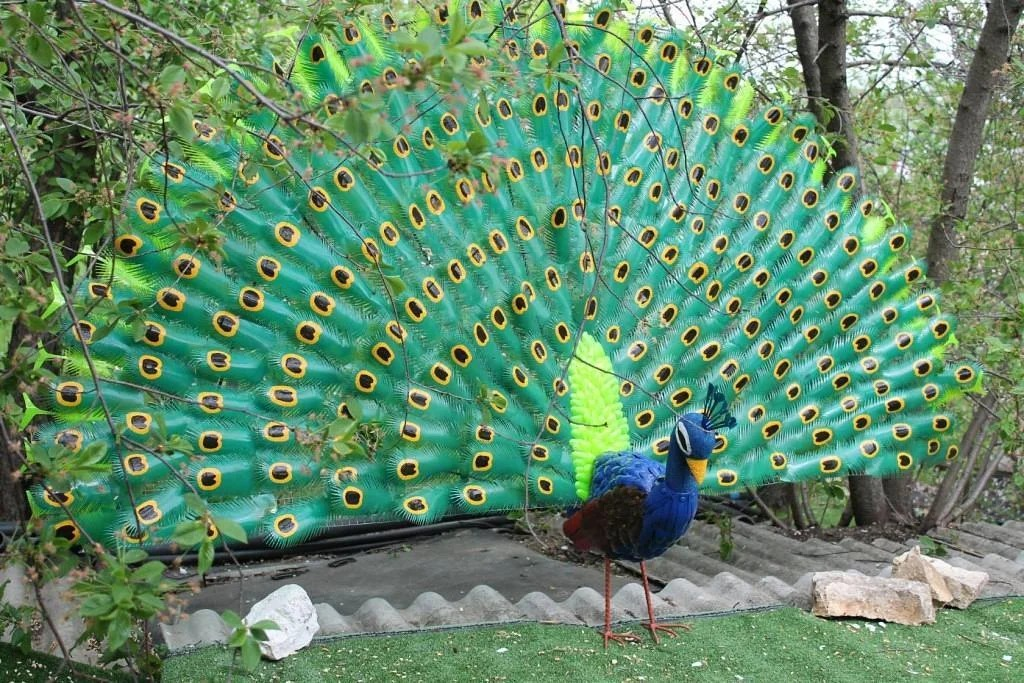 Садовые звери и птицы из пластиковых бутылок