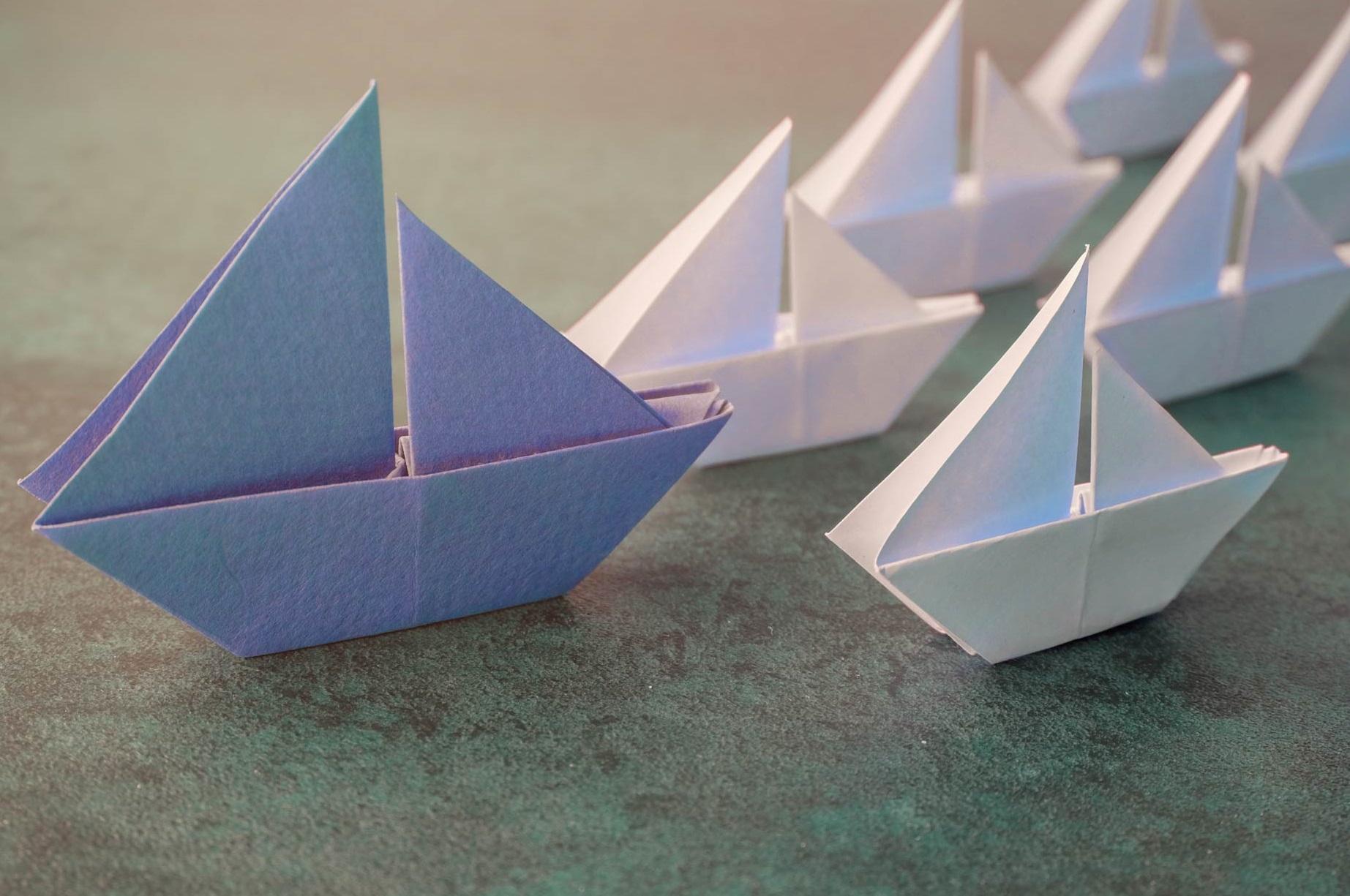 фото с корабликами из бумаги морская