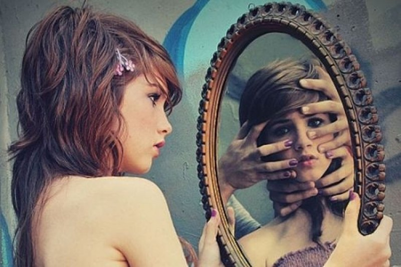не спите напротив зеркала