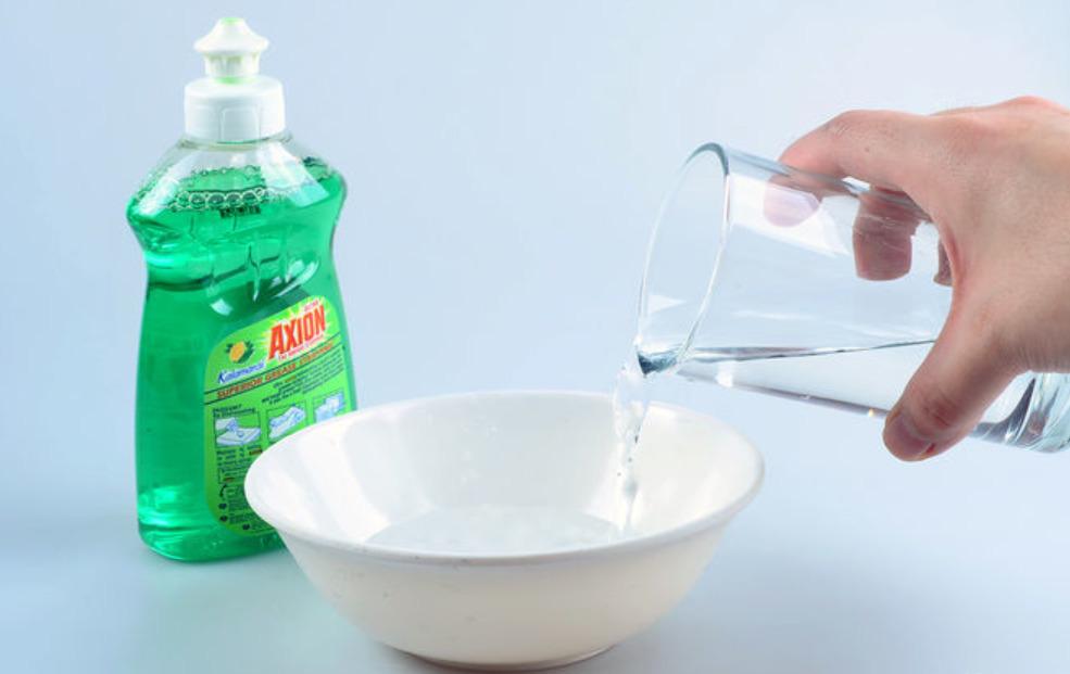 пузыри из средства для мытья посуды