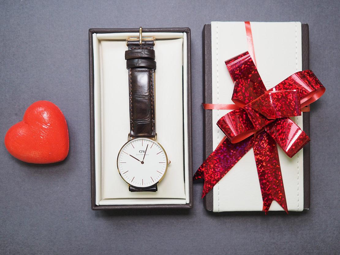 как правильно дарить часы