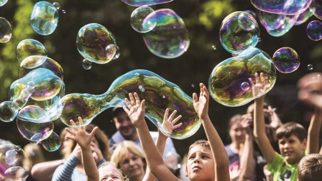 игры с мыльными пузырями