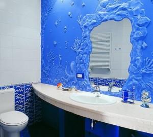 нанесение структурной штукатурки в ванной