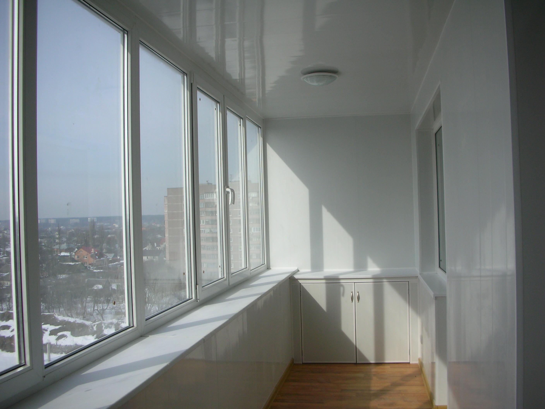 Нестандартное остекление балконов и лоджий, окон и материалы.